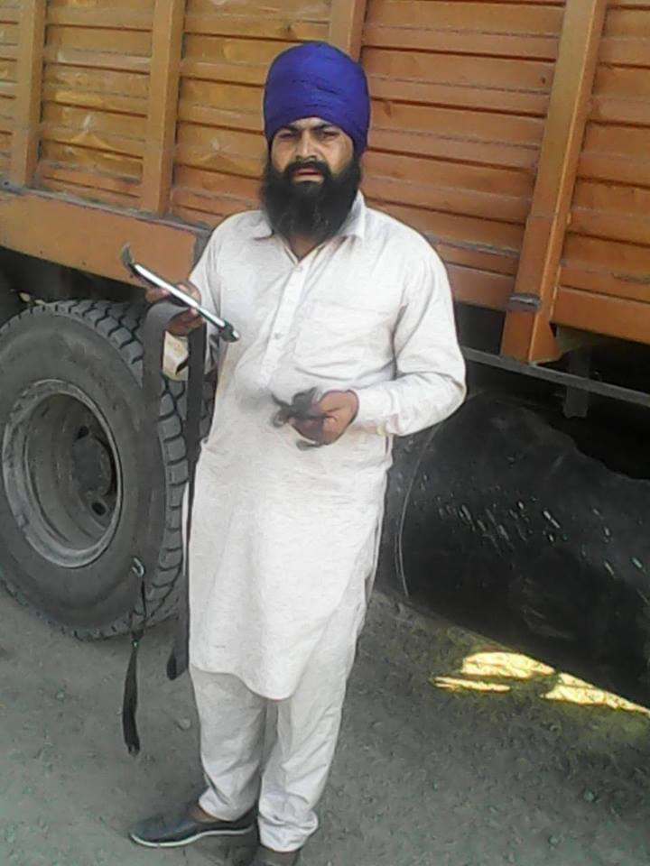 racial attack on sikh truck driver by in madhya